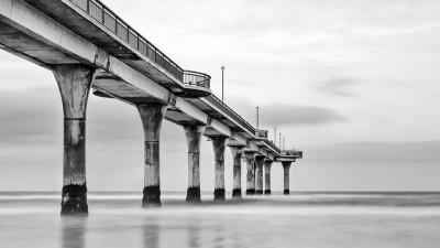 New-Brighton-Pier-in-B&W-v2,-New-Zealand